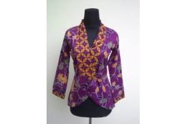 Mengkombinasikan Model Baju Batik Kerja Wanita